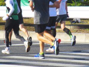 膝の痛みと股関節筋力との関係を伝える仙台の整体